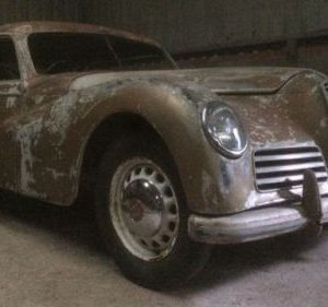 Front side photo of a 1950 Alfa Romeo 6C 2500
