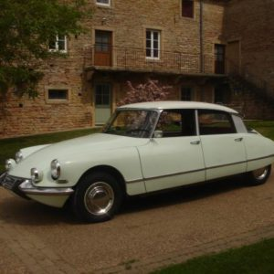 1967 Citroen DS21 in white