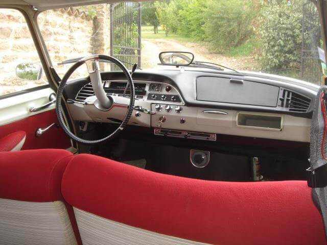1967 Citroen DS21 interior shot showing dashboard.