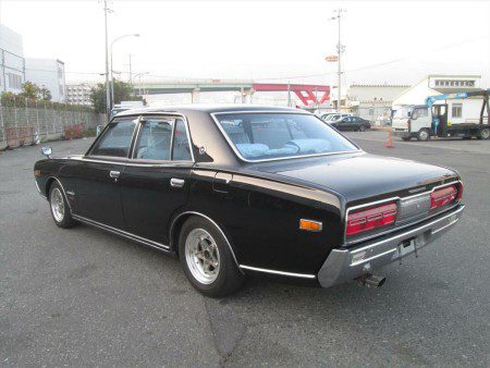 1974 Nissan Cedric GX 230 from behind to the side