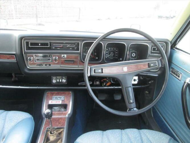 1974 Nissan Cedric GX 230 dashboard