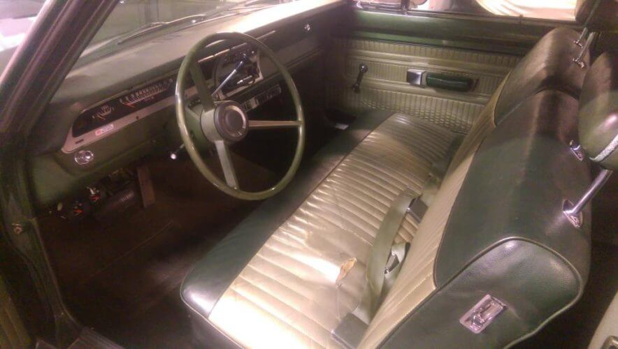 1970 Dodge Dart Swinger interior