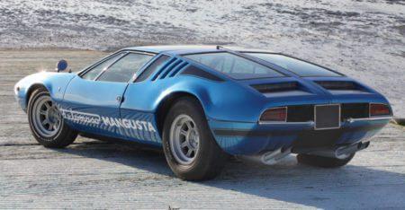 Rear side view of a De Tomaso Mangusta