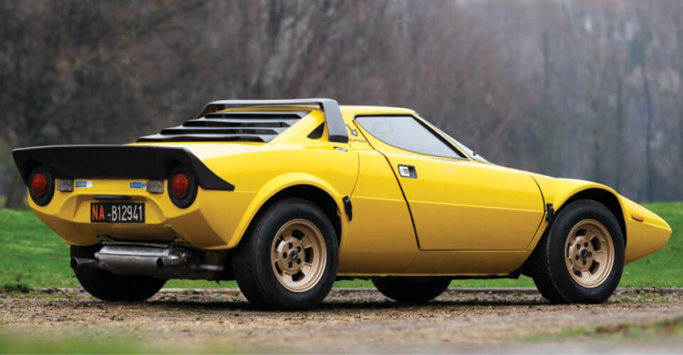 Rear side view of a Lancia Stratos HF Stradale