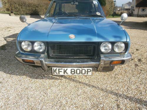 1975 Fiat 124 Coupe front