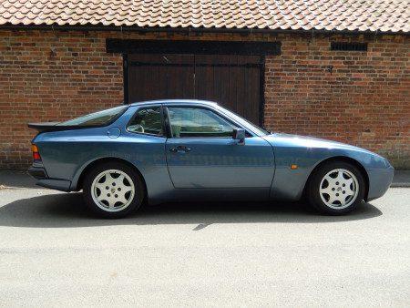 1989 Porsche 944 S2 side shot