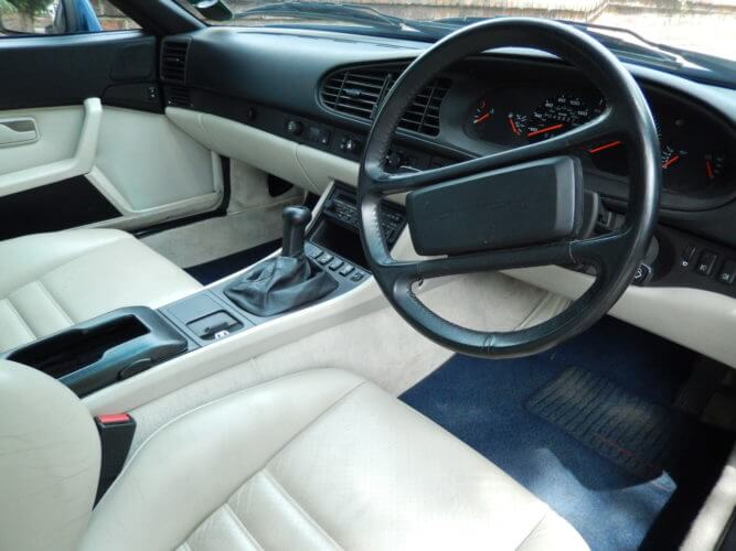 1989 Porsche 944 S2 interior