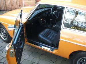 1974 MGB GT V8 interior
