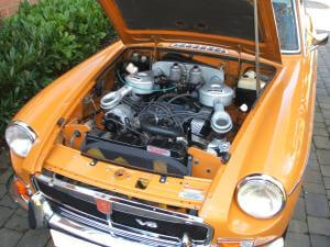 1974 MGB GT V8 engine bay