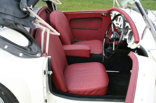 1958 MG MGA interior