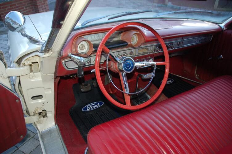 1964 Ford Galaxie 500 2 door fastback interior
