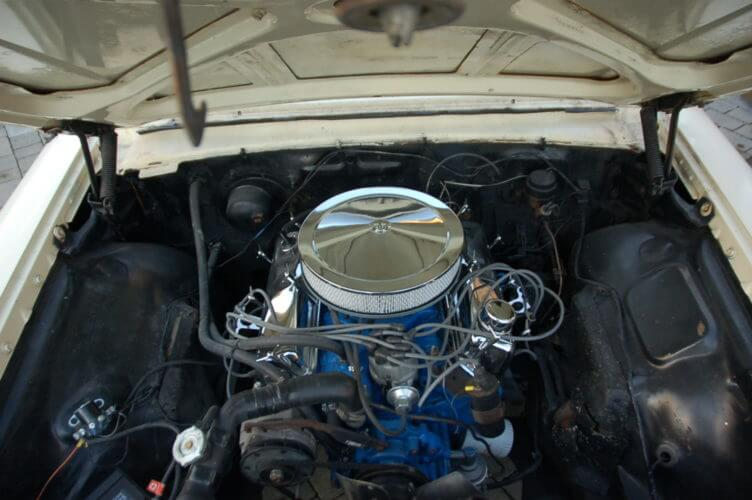 1964 Ford Galaxie 500 351 V8 engine