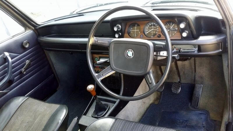 1975 BMW 1502 interior