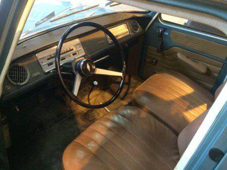 1964 Renault 8 Gordini interior