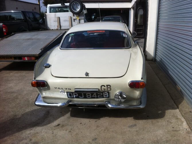 1964 Volvo P1800S rally car rear shot