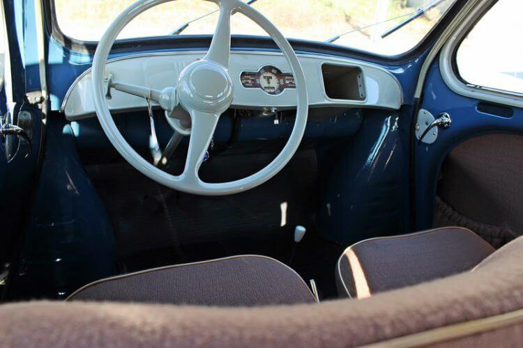 1949 Renault 4CV interior