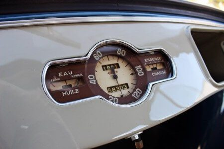 1949 Renault 4CV speedometer