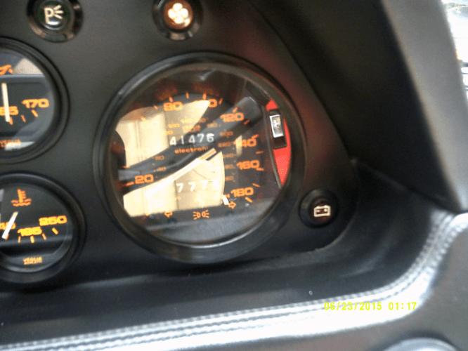 1987 Ferrari 328 GTS speedo