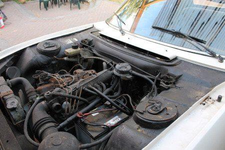 1973 Peugeot 504 Cabriolet engine