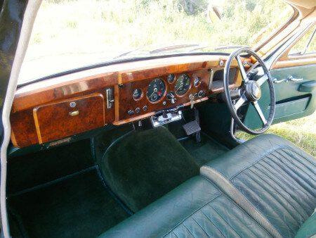 1957 Jaguar Mk1 interior