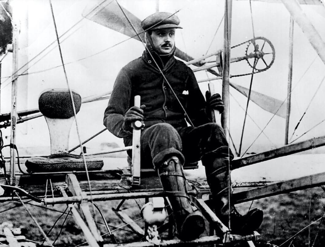 Rolls-Royce remembers founders pioneering flight in 1910